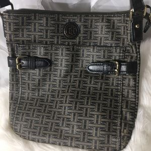 Tommy Hilfiger crossbody in very clean shape